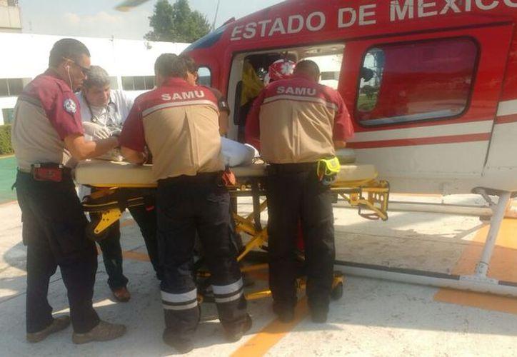 La menor fue trasladada de urgencia abordo de un helicóptero. (La Jornada)