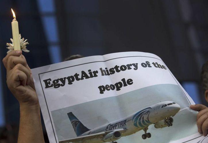 Hasta el momento se ignora la causa exacta por la cual un avión de EgyptAir se precipitó al mar con 66 personas a bordo. (AP)