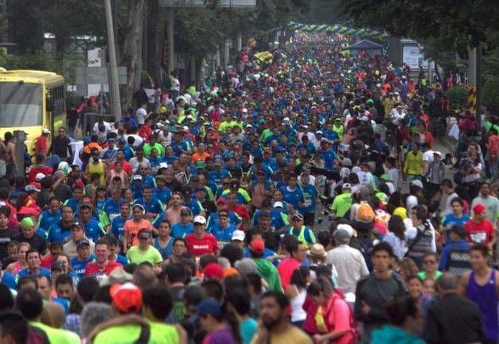 El jefe de gobierno de la Ciudad de México, Miguel Angel Mancera informó que no se registraron incidentes durante la edición 34 del Maratón en el que participaron 35 mil atletas. (Notimex)