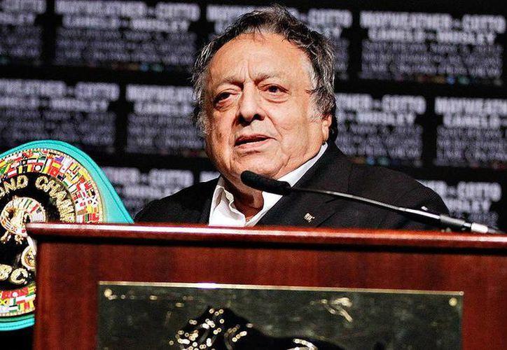 A la ceremonia en memoria del fallecido líder del CMB, organizada por el gobierno de Tamaulipas, acudieron familiares y estrellas del cuadrilátero mexicano. (Agencias)
