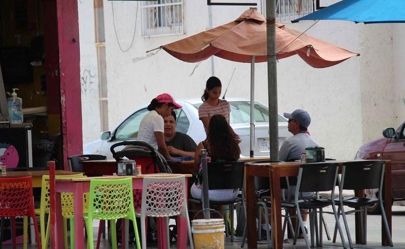 Planean supervisar un aproximado de 500 comercios en el municipio de Solidaridad. (Octavio Martínez/SIPSE)
