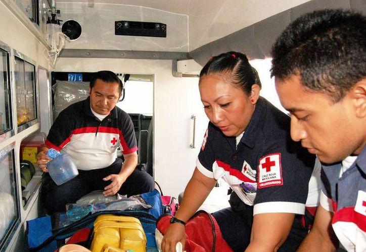 Al lugar llegó una ambulancia que trasladó a la víctima al centro de salud, pero éste falleció en el trayecto. (Milenio Novedades)
