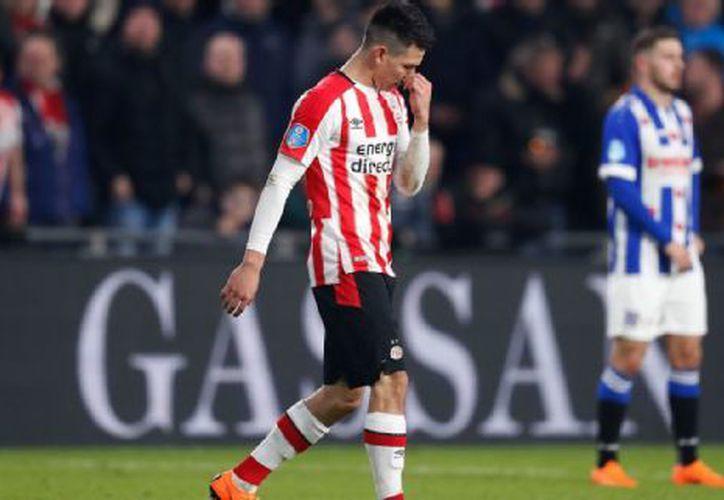 Son cinco los puntos que tienen de ventaja el PSV sobre el Ajax. (Getty Images)