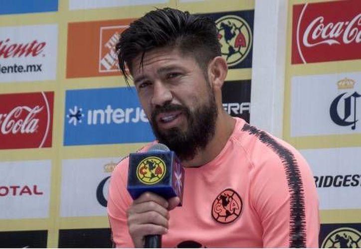 El futbolista dijo que no le interesa lo que diga el técnico de Chivas y que estos son problemas del equipo jalisciense. (SDP Noticias)