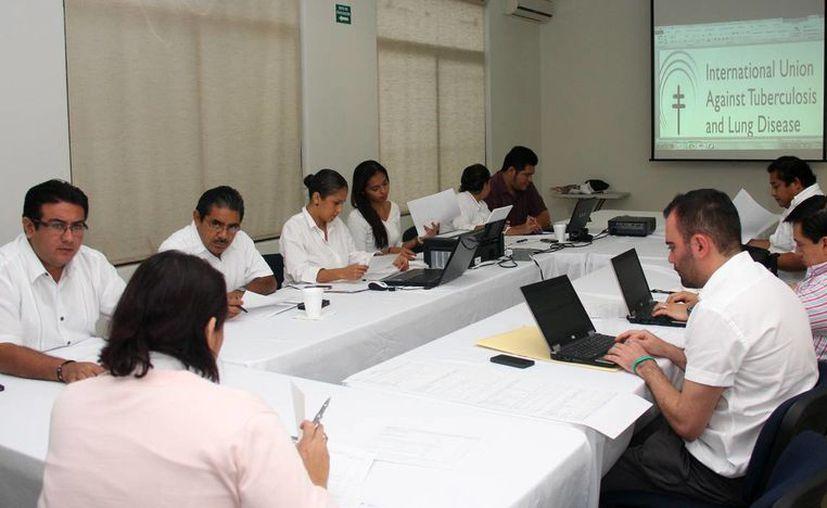 Realizan primera reunión de trabajo para la implementación del reglamento contra el consumo de tabaco. (Cortesía/SIPSE)