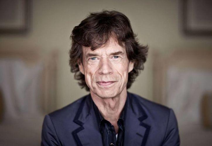 El líder de los Rolling Stones, de 74 años de edad, se enamoró en octubre en París de una joven 54 años menor que él. (Foto: Vanguardia)