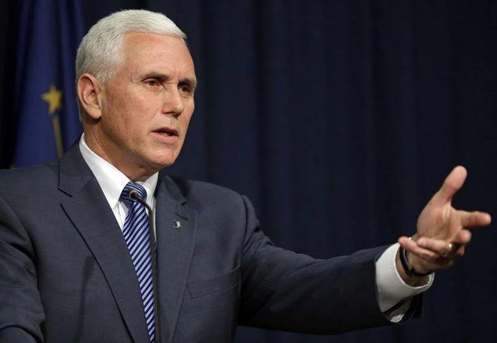 """La nueva legislación aprobada por el gobernador de Indiana,  Mike Pence, anularía las leyes estatales y locales que """"cohíben"""" la habilidad de las personas, incluidos negocios y asociaciones, de seguir sus creencias religiosas. (Foto: AP)"""