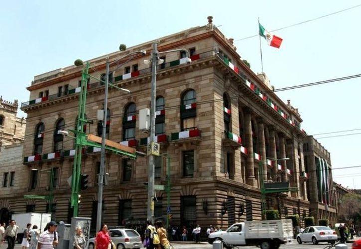 El informe oficial del Banxico habla de una caída de más de 9 por ciento en las remesas.