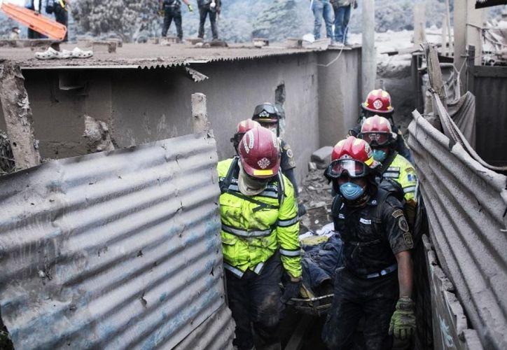 La cifra de muertos por la erupción del Volcán de Fuego en Guatemala ya rebasa los 100.  (Foto: Comercio)
