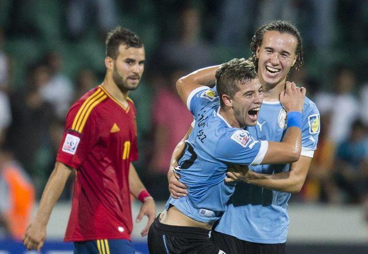 Uruguay espera rival: Irak o Corea. (Agencias)