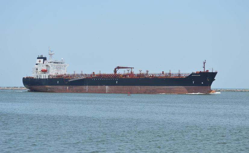 Pemex deberá desembolsar hasta 30 mil dls de penalización por cada barco. (Foto: Internet)