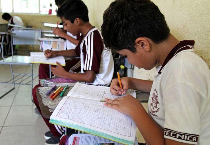 Mañana concluye el ciclo escolar 2015-2016. (Jesús Tijerina/SIPSE)