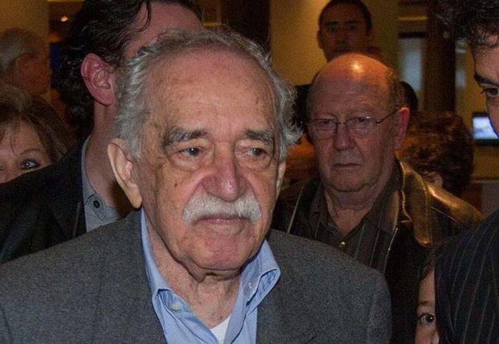 La obra de Gabriel García Márquez en cera es creación del escultor Rafael Barrios y sus hijos Leander y Rafael. (Foto de archivo: Notimex)