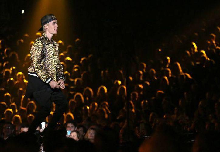 Justin Bieber es una de las estrellas del pop más famosas. Actualmente se encuentra detallando su gira internacional 'Purpose', la cual presenta su más reciente producción. (Imágenes AP y Notimex)