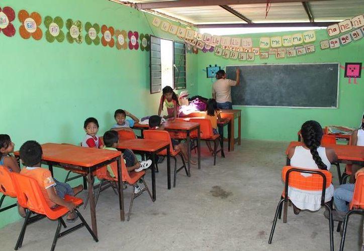 Los profesores decidieron adelantar sus días de descanso, perjudicando la formación de los estudiantes. (Redacción/SIPSE)