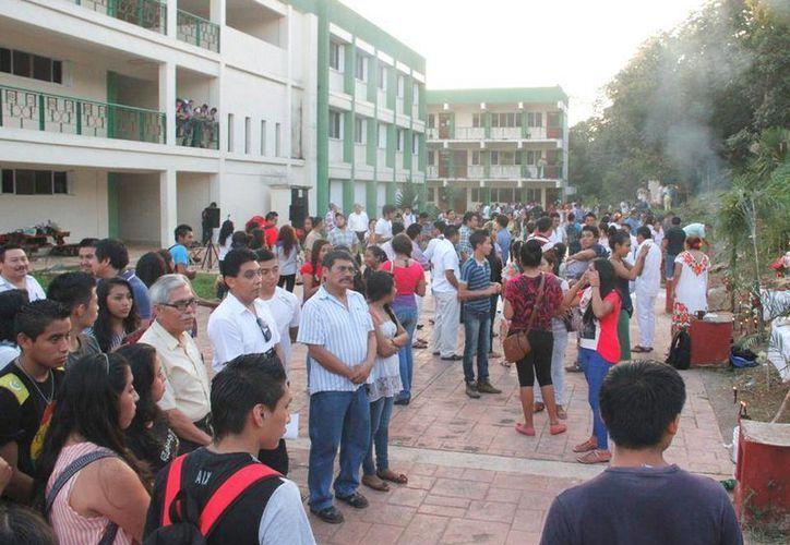 La visita en alguna de las áreas turísticas o históricas de algún lugar, será parte de la política institucional y la promoción del turismo de reuniones. (Tony Blanco/SIPSE)