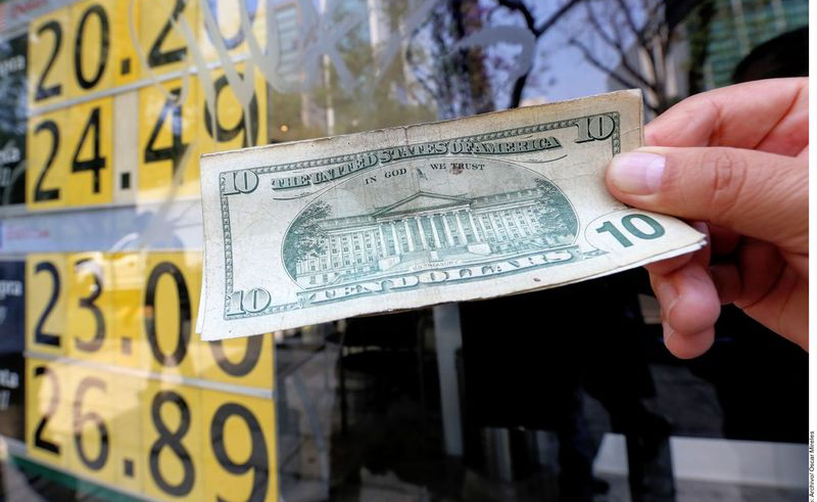 Wall Street suspende operaciones 15 minutos por caída de 7%