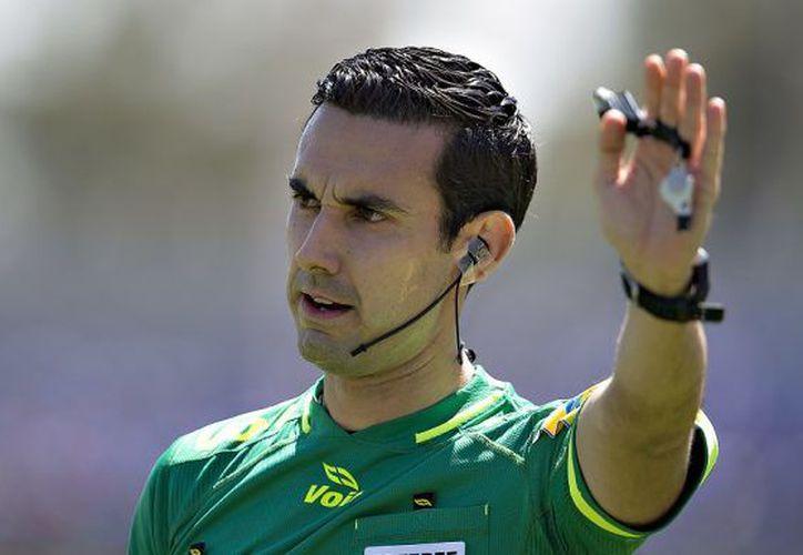 César Ramos ha hecho buenos arbitrajes en Rusia 2018, por lo que podría aparecer en cuartos de final (Foto: Televisa)