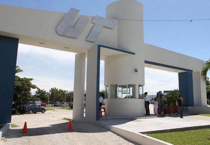 La rectora de la UT Cancún presentó esta tarde su informe de labores 2013-2014. (Redacción/SIPSE)