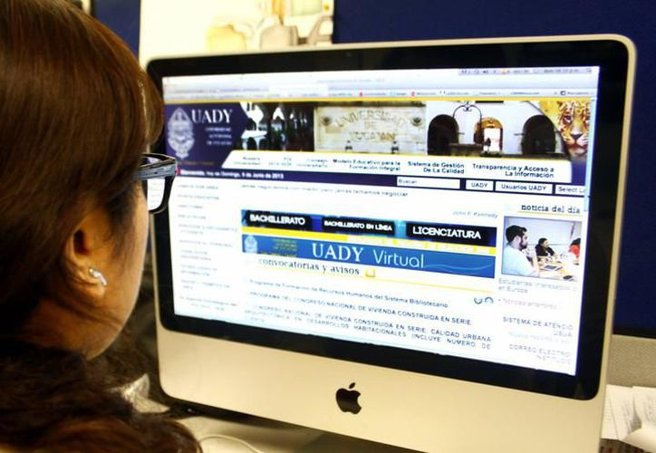 Los carreras en línea de la Uady comenzarán a ofrecerse hasta el siguiente año. (Milenio Novedades)