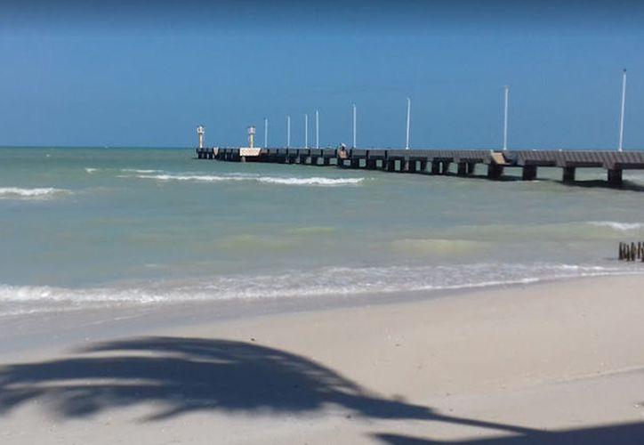 """La marea """"jaló"""" a la mujer mar adentro y al intentar sobrevivir tragó mucha agua, minutos más tarde falleció. (Google maps)"""