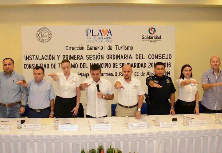 Ayer rindieron protesta y sesionaron por primera vez, los integrantes del  Consejo Consultivo de Turismo municipal.  (Redacción/SIPSE)