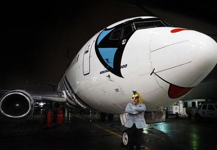 El avión tiene la máscara de Psycho Clown y Magnicharters fue el cómplice ideal. (Foto: Medio Tiempo)