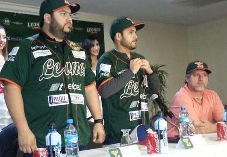 Directivos de Leones de Yucatán durante la conferencia de prensa que ofrecieron el miércoles. (Foto: web oficial de Leones de Yucatán)