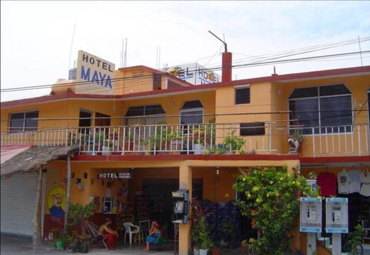 Los centros de hospedaje que reportan mejor afluencia  son los que reciben al turismo de bajo poder adquisitivo. (Rossy López/SIPSE)