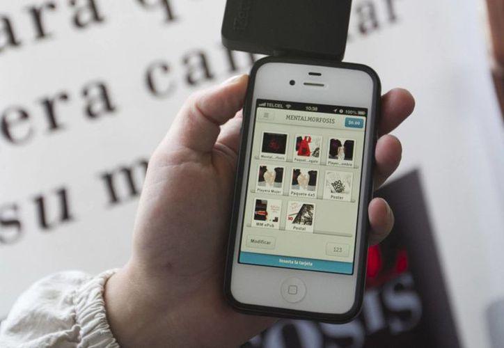Lanzan iZettle y Santander equipo para cobro por móviles. (Notimex)