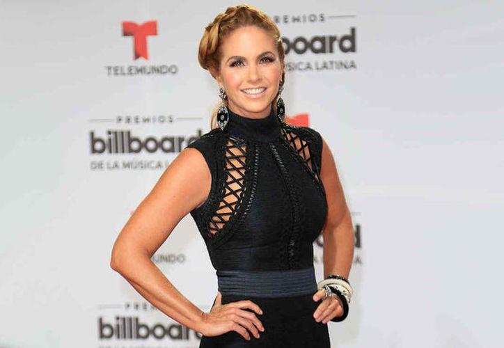 La cantante mexicana Lucero dio un giro completo a su carrera luego de cambiar  la balada pop y ranchera por la banda. (Foto: Telemundo)