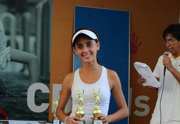 Ivanna Flores se lleva el título nacional de la categoría 14 y menores. (Raúl Caballero/SIPSE)