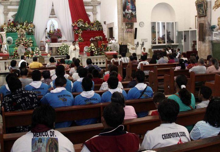 Hoy a la medianoche, la iglesia de San Cristóbal cantará las Mañanitas a la Virgen. (Milenio Novedades)