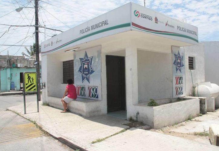 Las 17 casetas de policía que se ubican en las colonias de Cozumel, serán rehabilitadas por el ayuntamiento, afirmó el secretario técnico municipal, Ricardo Espinoza Freyre.  (Julian Miranda/SIPSE)