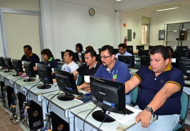 Toda la plantilla de docentes está a cargo de la instructora, Citlalli Castillo García, de la Anuies. (Manuel Salazar/SIPSE)