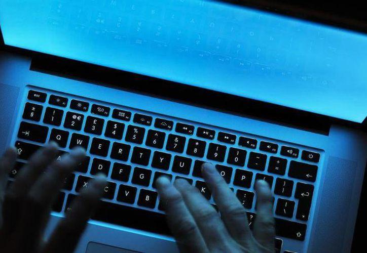 Si un hacker trabajaba de manera profesional se le consideraba como de 'sombrero blanco', pero si era uno que no seguía las reglas o realizaba acciones sin autorización se le consideraba 'sombrero negro'. (elconfidencial.com)