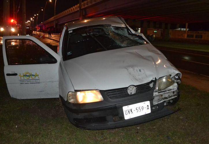El conductor del vehículo que atropelló al ciclista, fue turnado a las autoridades en calidad de detenido. (Redacción/SIPSE)