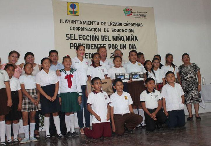 El concurso se desarrolló en el auditorio de la Casa de la Cultura. (Gloria Poot/SIPSE)