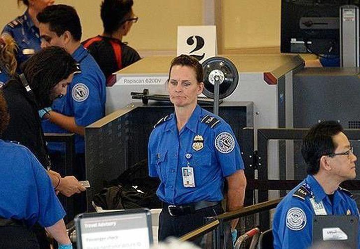 A lo largo de los años, la TSA ha sido objeto de un intenso escrutinio por su comportamiento en los controles de seguridad aeroportuaria. (actualidad.rt.com/AFP)