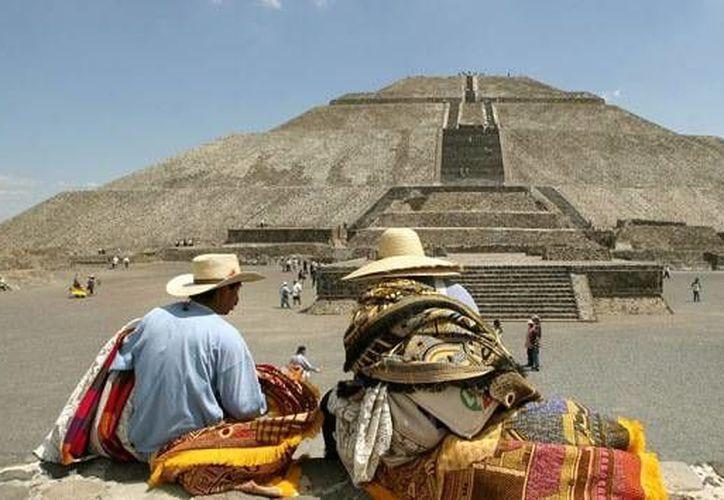 La Pirámide del Sol no está compuesta por bloques de roca como las egipcias. (Reuters)