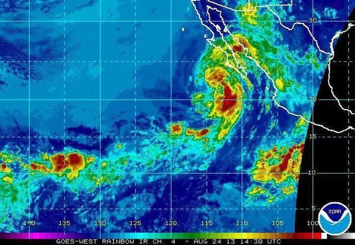 El Centro de Huracanes ha considerado a Ivo una poderosa tormenta. (ssd.noaa.gov)