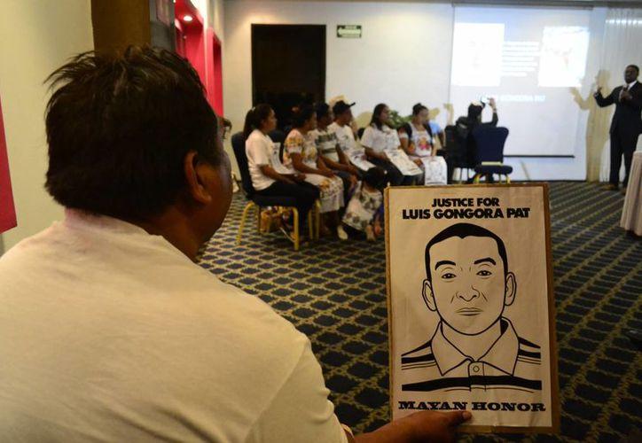 Conferencia en Mérida sobre el caso del migrante teabeño asesinado en EU por policías. (SIPSE)