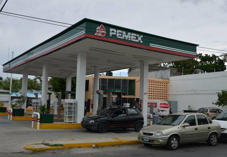 Los principales giros que mantienen procedimientos en su contra son bancos de materiales y gasolineras, entre otros. (Gerardo Amaro/SIPSE)