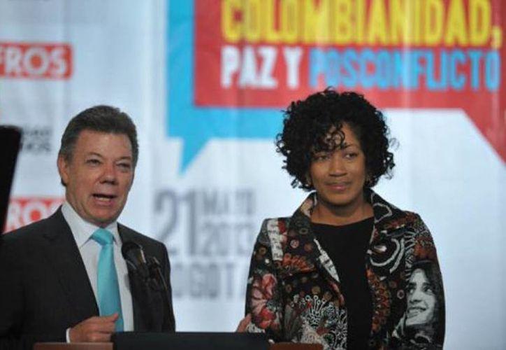 Presidente Juan Manuel Santos en la designación de la abogada Nigeria Rentería, como Alta Consejera Presidencial para la Equidad de la Mujer en mayo pasado. (confidencialcolombia.com)