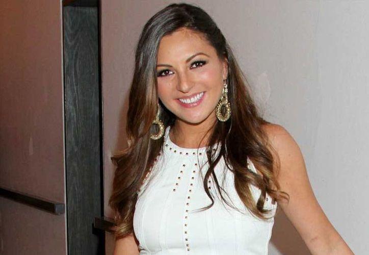 Mariana Ochoa tuvo que abrir una tienda de venta de disfraces, mientras esperaba algún contrato en el mundo del espectáculo.(Notimex)