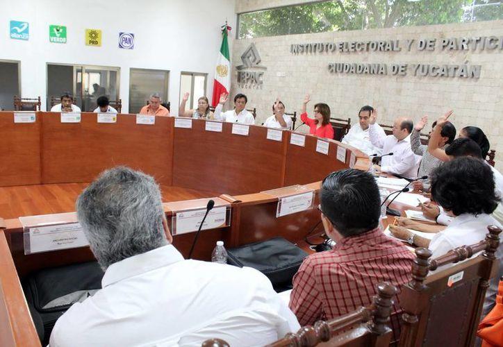Los consejeros del Iepac avalaron la impresión de las boletas electorales. (Milenio Novedades)
