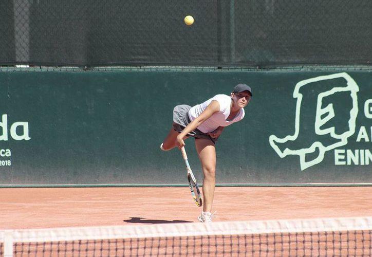 Las y los tenistas mexicanos siguen sin poder avanzar en la Copa Yucatán. Este miércoles uno de los resultados inesperados fue la eliminación de la rusa Varvara Gracheva (Foto cortesía).