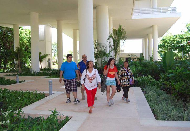 El Museo Maya de Cancún entregó un total de 210 reconocimientos. (Tomás Álvarez/SIPSE)