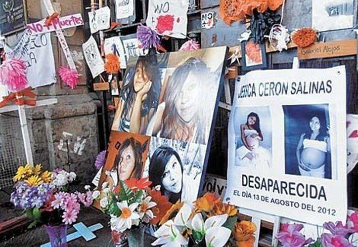 Colocan foto de su hija en ofrenda a víctimas de la violencia. (Milenio)