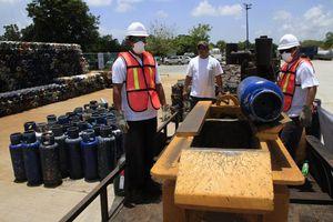 Destruyen cilindros de gas en Cancún